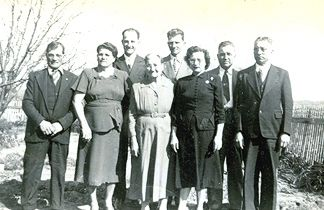 The five in the front row here are the same as the five in the picture to the right. Front row is Joe, Albina, Grandma Josephene, Josie, Adolph and Edward