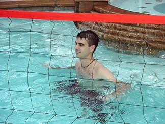 Shaun playing volleyball