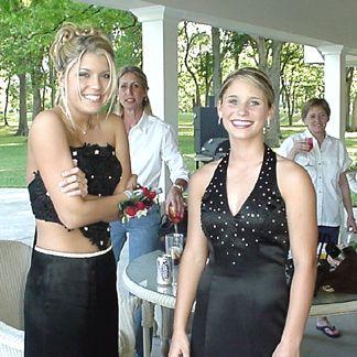 Kayli and Crystal Gieck