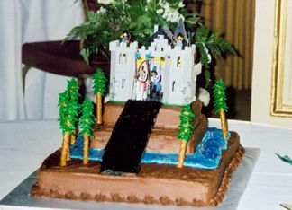 The grooms cake - A Lego Castle